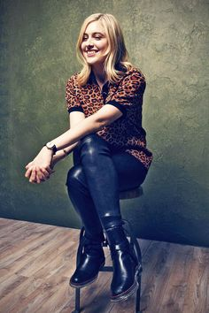 American actress Greta Gerwig looked effortlessly cool as she was spotted at a photocall for the film Mrs America during the film festival Sundance… Corporate Portrait, Sundance Film Festival, Dream Baby, Film Stills, Celebs, Celebrities, My Wardrobe, American Actress, Portrait Photography