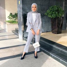 Hijab Pants Jackets Models and Combinations - Attractive Women - Work Outfits Women Modest Fashion Hijab, Modern Hijab Fashion, Muslim Women Fashion, Street Hijab Fashion, Hijab Fashion Inspiration, Hijab Chic, Mode Inspiration, Fashion Outfits, Fashion Pants