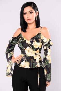 Available in Black and Red Satin Floral Print Long Sleeve Wrap Front Bell Sleeve w/Slit Polyester Simple Outfits, Cool Outfits, Casual Outfits, Fashion Outfits, Crop Top Designs, Modelos Fashion, Clothing Sites, Chic Clothing, Trendy Fashion