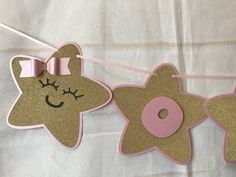 Twinkle twinkle little star Twinkle twinkle little star 50th Wedding Anniversary Decorations, Birthday Decorations, Fruit Birthday, Baby Frame, Star Baby Showers, Star Party, Twinkle Twinkle Little Star, Party Props, Welcome Baby