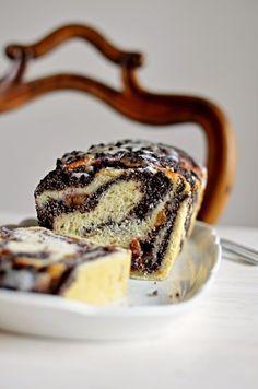 Kvásková babka s mákem a švestkami Sourdough Recipes, Ciabatta, Fermented Foods, Love Cake, Ham, Food And Drink, Cooking Recipes, Sweets