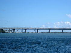 Ponte Nivaldo Suruagy que liga Maceió a Barra de São Miguel.