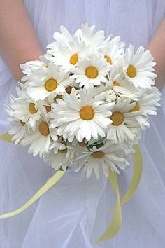 Rustic, daisy wedding flower bouquet, bridal bouquet, wedding flowers, add pic source on comment and we will update it. can create this beautiful wedding flower look. Bouquet Bride, Daisy Bouquet Wedding, Spring Wedding Flowers, Bridal Flowers, Bridal Bouquets, Daisies Bouquet, Bridesmaid Bouquets, Daisy Wedding Flower Arrangements, Floral Bouquets
