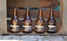 Garagem vintage: Antiguas botellitas cerveza Mahou.
