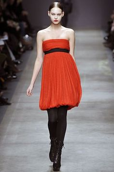 Iceberg Fall 2008 Ready-to-Wear Fashion Show - Alana Kuznetsova Strapless Dress Formal, Formal Dresses, Fashion Show, Fashion Design, Modern Luxury, Ready To Wear, Runway, Vogue, Gowns