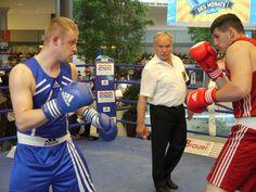 Artur Manschos (blau) vs. Artur Mann (rot) bei der Guerilla- Aktion am 02.07.2013.