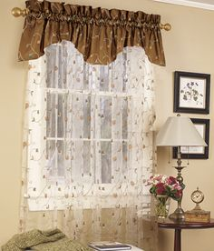 Valance in Midnight  Overleigh Lined Scalloped Valance