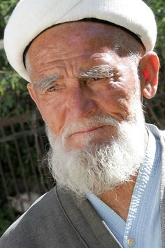 Portrait Kyrgyzstan: man in Arslanbob  - click to discover some stories of meeting Kyrgyz people
