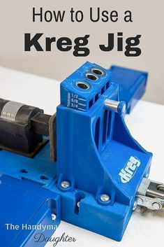 Woodworking Tools Planer Want to learn how to use a Kreg Jig? This tutorial shows you how to use the two most popular models so you can decide which one is right for you! Seeing both the Kreg Jig and the Kreg Jig side by side is so helpful! Woodworking Courses, Woodworking Shows, Woodworking Workshop, Easy Woodworking Projects, Woodworking Wood, Diy Wood Projects, Popular Woodworking, Woodworking Images, Woodworking Software