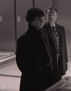 Sherlock and Mycroft at the morgue . Sherlock Season 3, Sherlock Holmes Bbc, Martin Freeman, Benedict Cumberbatch, Holmes Brothers, League Of Gentlemen, Mycroft Holmes, Mrs Hudson, Mark Gatiss