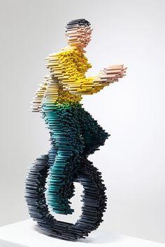 Speedy PVC Pipe Sculpture - Created by Korean artist Kang Duck-Bong, these sculptures are made with a large number of cut PVC pipe, which is then covered in urethane paint. Art Blog, Sculptures, Amazing Art, Korean Art, Sculpture, Art, Contemporary Art, Paper Art, Unusual Art