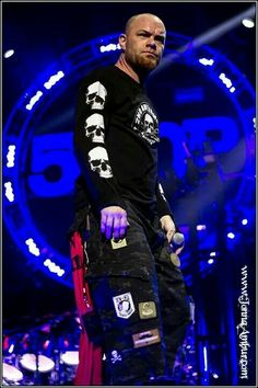 This Pic is AWESME and my absolutly Favourite!!!  Ivan Moody