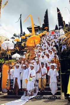 Bali, Indonesia, Wanderlust, Bucket List, Island, Paradise, Bali, Travel, Exotic Places, temple, places to visit in Bali, Balinese food must try.