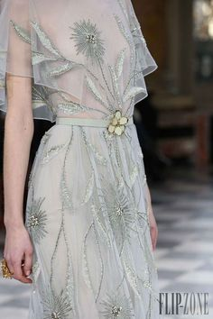 View all the detailed photos of the Georges Hobeika haute couture spring 2016 showing at Paris fashion week. Haute Couture Style, Couture Mode, Couture Details, Fashion Details, Couture Fashion, Runway Fashion, High Fashion, Fashion Show, Fashion Design