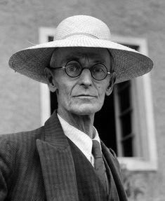 Hermann Hesse was a German poet, novelist, and painter Gabriel Garcia Marquez, Robert Mapplethorpe, Richard Avedon, Der Steppenwolf, Foto Face, George Grosz, Paul Auster, Michel De Montaigne, Max Ernst