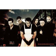 I fan dei Rammstein che vogliono avere i propri beniamini musicali anche in salotto con questo poster vanno sul sicuro! L'immagine intensa, in tipico stile #Rammstein, dal forte contrasto balza subito agli occhi. Dimensioni: 91,5 x 61 cm circa.