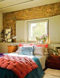 rustic, cosy bedroom |El Mueble