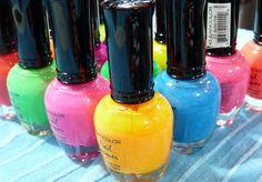 Esmaltes de colores