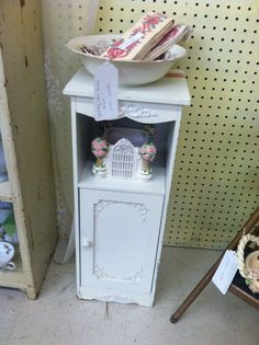 Cute for a bed side table!