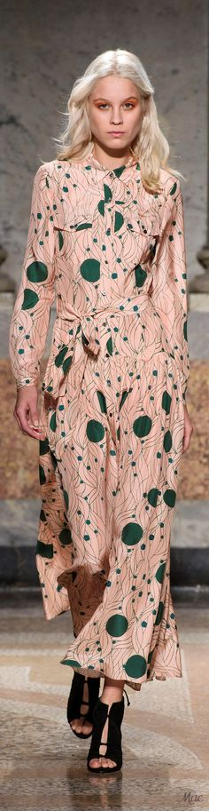 Spring 2017 Ready-to-Wear Maryling