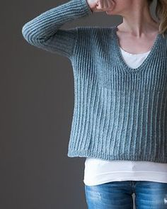Crochet Dresses Patterns Ravelry: Fisherman's Cloud pattern by Katrin Schneider - Fisherman's Cloud is a boxy, slightly cropped v-neck sweater. Crochet Patron, Knit Crochet, Sweater Knitting Patterns, Knit Patterns, Cloud Pattern, Knitting Short Rows, How To Purl Knit, Schneider, Ravelry