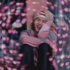 This is a Community where everyone can express their love for the Kpop group BTS Bts Meme Faces, Min Yoongi Bts, Min Suga, Bts Emoji, Memes Chinos, Bts Face, Heart Meme, Bts Memes Hilarious, Cute Love Memes