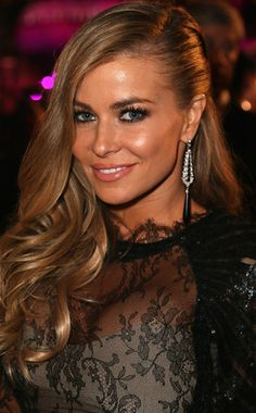The beautiful Carmen Electra- loving this hair and her makeup