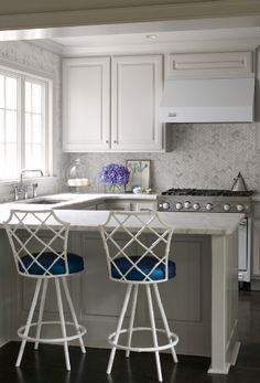 bar stools & marble backsplash