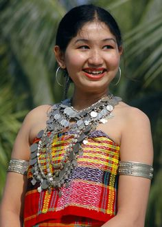 travel in tripura, the north east of india Indian Beauty Saree, Indian Sarees, Tribal India, Northeast India, Beauty Around The World, Tribal People, Traditional Dresses, Anime Korea, Amazing India