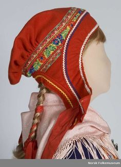 Nordic Sami hat from Kautokeino, Norway. Lappland, Folk Costume, Costumes, Reindeer Craft, Folk Clothing, Thinking Day, Headdress, Traditional Outfits, Hats For Women