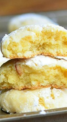 Banana Pudding Chewy Crinkle Cookies ~ They are soft, chewy and made to taste like banana pudding with banana cream and vanilla wafers.