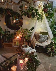 Interior Home Design Trends For 2020 - New ideas Bohemian Bedroom Decor, Hippie Bedrooms, Bohemian Room, Bohemian Style, Hippie Room Decor, Bohemian Interior, Vintage Bohemian, Indie Room, Room Goals