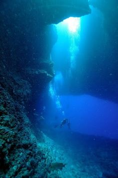 Love the feeling of being under water..