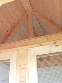 Hardware cloth partition between storage area & coop.ledge on storage side for supplies, bedding, etc Large Chicken Coop Plans, Loft Storage, Storage Area, Rustic Painting, Urban Homesteading, Raising Chickens, Chickens Backyard, Coops, Play Houses