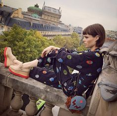 Pin for Later: A Coco Rocha-Inspired Guide For Posing on Instagram On a ledge