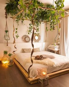 60 bohemian bedrooms that'll make you want to redecorate asap 50 « Home Decoration Bohemian Bedroom Decor, Boho Living Room, Bohemian House, Nature Bedroom, Garden Bedroom, Boho Bed Room, Couple Bedroom Decor, Japanese Bedroom Decor, Plant Rooms