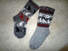 miu mau miu mau Knitting Charts, Knitting Socks, Knitting Patterns, Crochet Patterns, Stocking Tights, Cat Design, Mittens, Knit Crochet, Upcycle