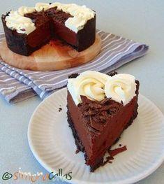 Easy Chocolate Cake Recipe - a simple Chocolate Mousse Cake - simonacallas Chocolate Cake Recipe Easy, Chocolate Mousse Cake, Chocolate Recipes, Chocolate Lovers, Sweet Recipes, Cake Recipes, Dessert Recipes, Macedonian Food, Food Tags
