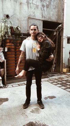 They tried copying James' shirt. Cute Relationship Goals, Cute Relationships, Nadine Lustre Instagram, Nadine Lustre Fashion, James Reid Wallpaper, Lady Luster, Filipina Beauty, James Rodriguez, Pinoy