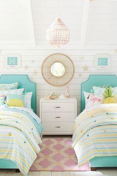 quarto pequeno para duas meninas com duas camas Girls Bedroom Colors, Kids Bedroom, Bedroom Decor, Bedroom Ideas, Bedroom Beach, Master Bedroom, Tropical Bedrooms, Tropical Home Decor, Coastal Decor