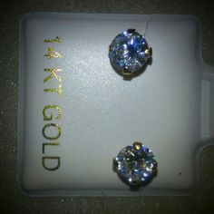 5mm 14 k solid gold screw packs. Beautiful 5mm 14k solid gold,  screw backs earrings. Accessories
