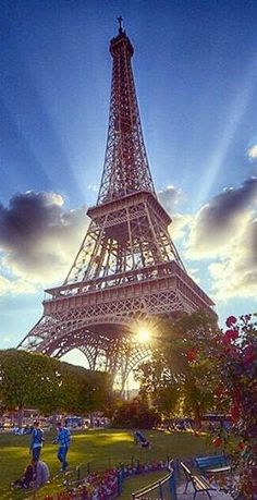 Eiffel Tower in Paris, France Simplemente hermoso ❤️