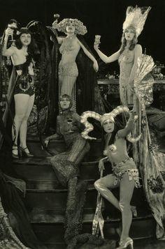 """Chorus Girls """"Hell's 400"""" 1926"""