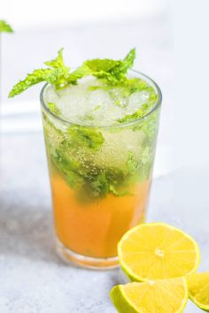 This mango mojito recipe is the perfect combination of rum, mint, and sweet mango juice. It's the ideal cocktail for sipping by the pool and dreaming of your next getaway. #RoyalCaribbean #Recipe #Cocktail Herbal Iced Tea Recipe, Iced Tea Recipes, Wine Recipes, Cooking Recipes, Refreshing Cocktails, Yummy Drinks, Cold Drinks, Healthy Dessert Recipes, Healthy Drinks