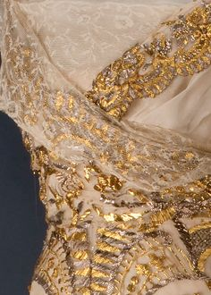 Viennese Ball Gown or Court Dress, ca. 1913 (detail) Edwardian Gowns, Edwardian Fashion, Vintage Fashion, Gold Dress, Fancy Dress, Corsage, Romantic Outfit, Romantic Clothing, Court Dresses