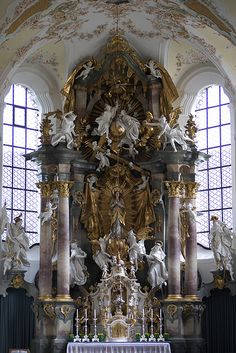 High Altar of the Church of the Assumption of the Blessed Virgin Mary (Maria Himmelfahrt), Schongau, Upper Bavaria, Germany. Here is a closer look at the beautiful statue of the Blessed Mother. Art Et Architecture, Beautiful Architecture, Beautiful Buildings, Beautiful Places, Catholic Art, Religious Art, Architecture Religieuse, Church Interior, Old Churches