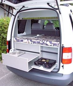 Weekendbox Dream VW Caddy Küchehttp://www.rainbow-mobil.de/moebelprogramme/weekendbox-dream/vw-caddy/