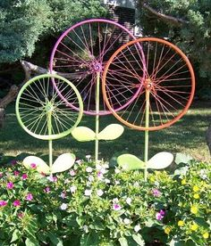 Before Taking That Old Bike To The Junkyard, Consider This Garden Ornament  Idea From The Hanky Dress Lady: Bicycle Wheel Garden Art U2013 Steel Magnolias.