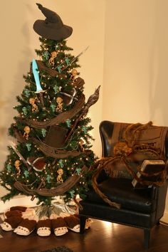 This Lord of the Rings themed Christmas Tree looks so cozy! Guess that's why Shelob decided to curl up with a good book.
