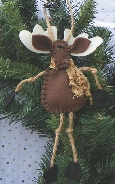 Felt Moose Christmas Ornament by MerrilyMadeHartworks on Etsy, $9.00 felt